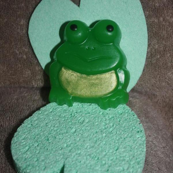 Frog Soap with Sponge Leaf